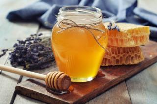 Apiterapija ir bičių produktai: pagrindinės problemos ir iššūkiai.